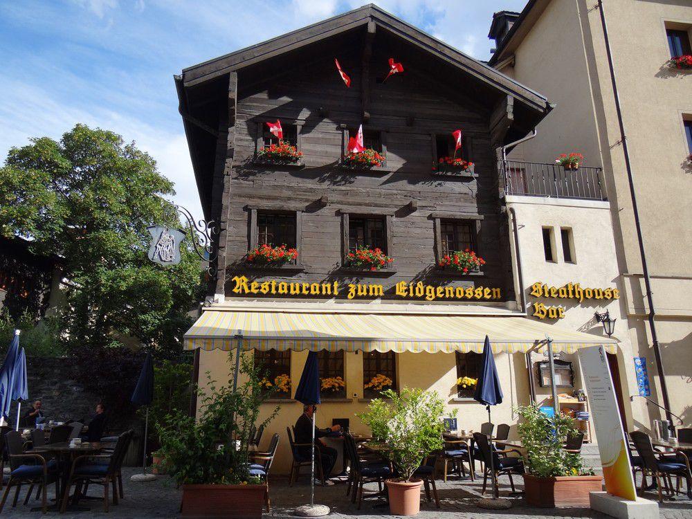 Balade dans les rues de Brigue, dans le Valais...
