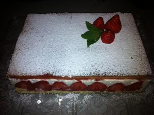 Gateau genoise/fraise/chantilly vanillée