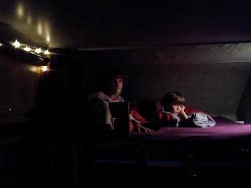 Et grand luxe : télé le soir avant de dormir !