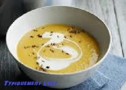 Soupe de chou-fleur au curry et au cheddar