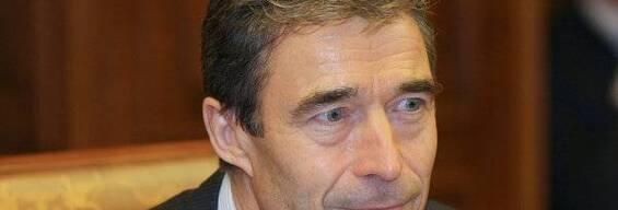 Syrie: Rasmussen met en garde contre une intervention militaire