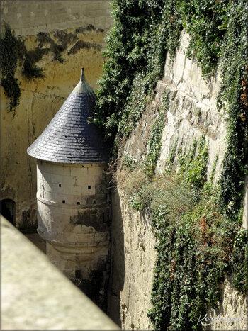 Photos de l'échauguette défensive du Château de Bréze