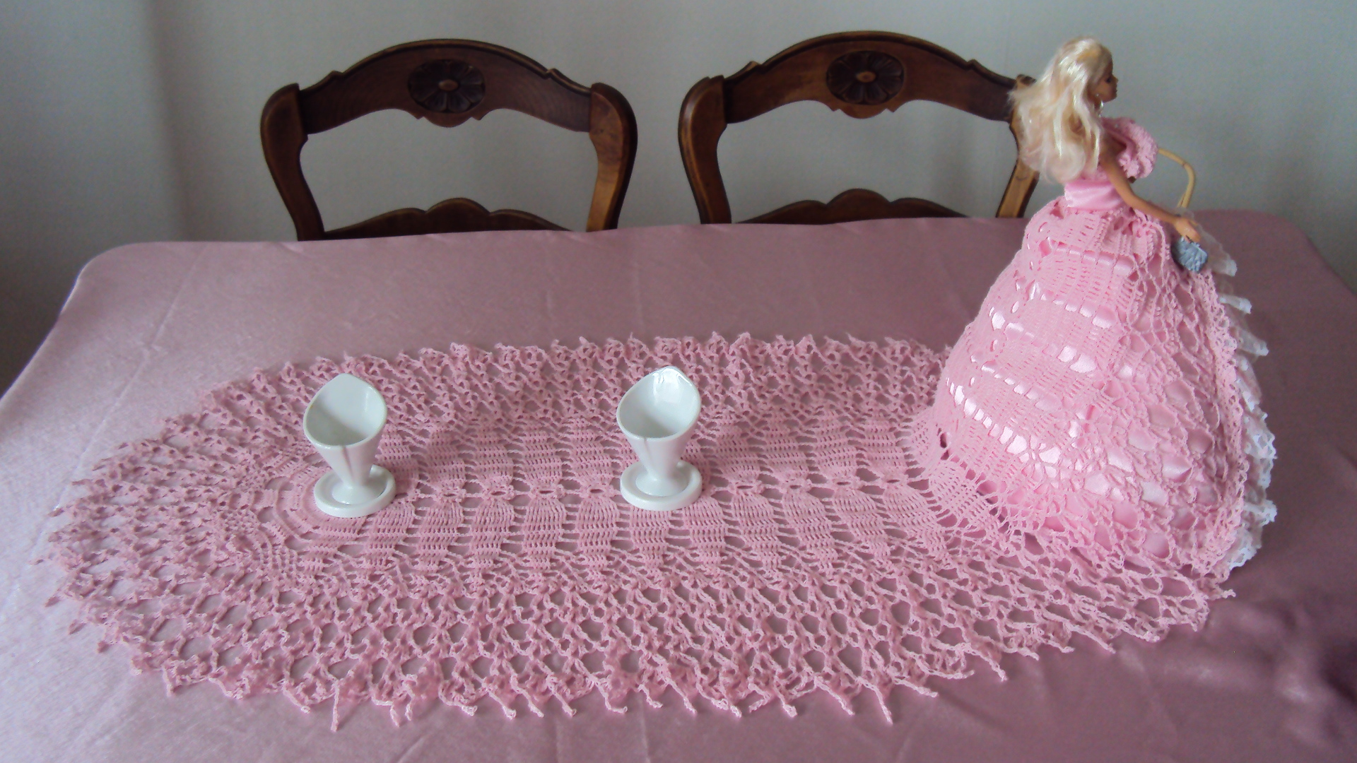 chemin de table pour la f te des m res pause java entre crochet et tricot. Black Bedroom Furniture Sets. Home Design Ideas