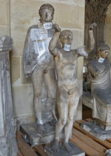 Galerie Moulage Versailles hommes à réparer