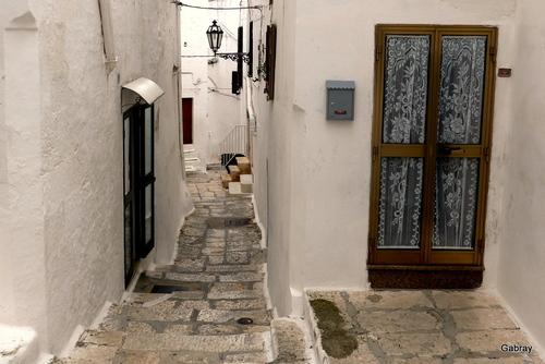 Italie: Ostunides rues et des ruelles ...