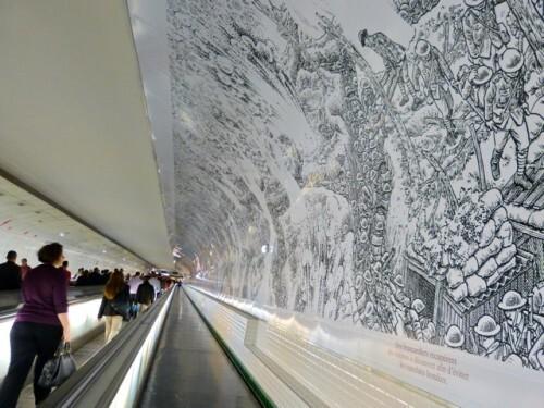 BD fresque Sacco métro Montparnasse 10935