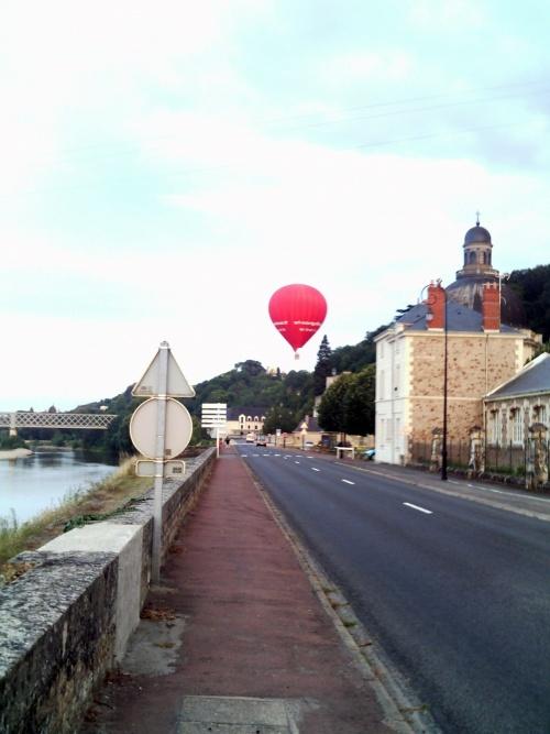 Montgolfière au-dessus de la Loire - Fire-baloon above the Loire