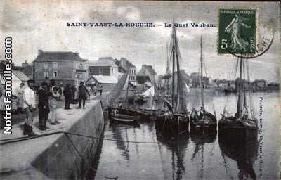 cartes-postales-photos-Le-Quai-Vauban-ST-VAAST-LA-HOUGUE-50