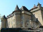 Vue sur le château du village