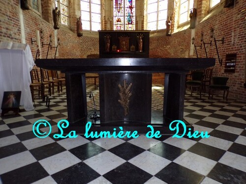 Esquelbecq, l'église Saint Folquin