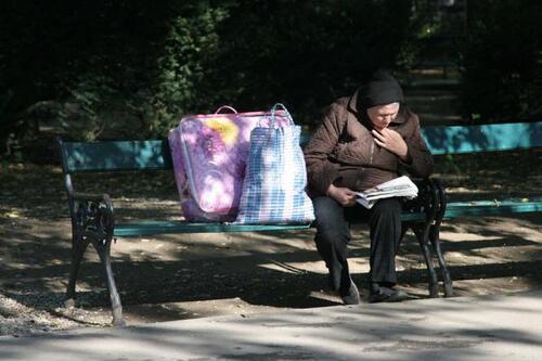 8- Les vieilles dames et la lecture- en couleurs