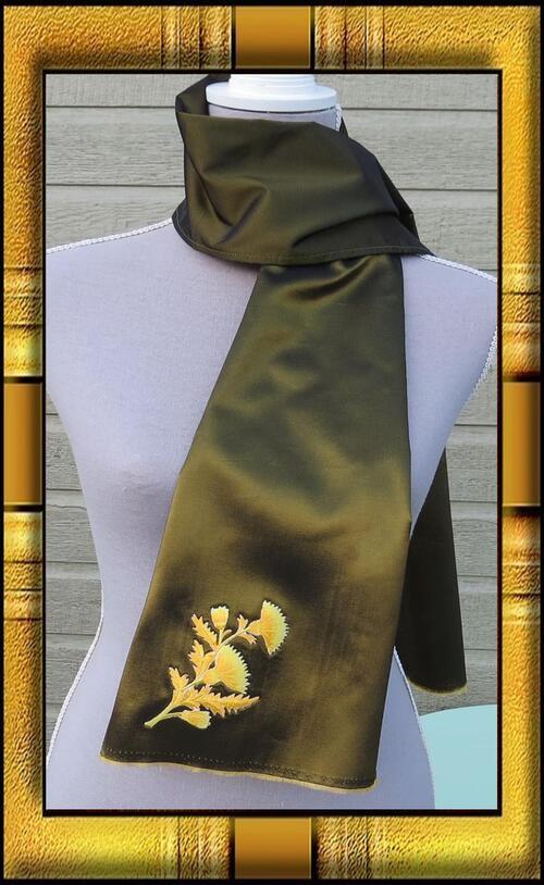 Un magnifique taffetas moiré pour cette écharpe bronze