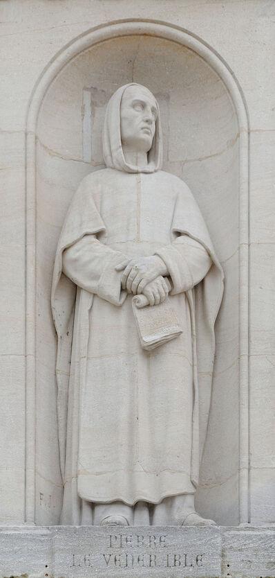 Statue de Pierre le Vénérable, place Saint-Bernard, Dijon.