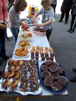 Le clou de la journée: le goûter aux 100 gâteaux!