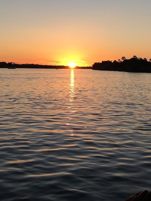 coucher de soleil sur le Zambèze