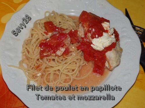 Filet de poulet en papillote, tomates et mozzarella