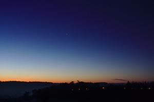 Vénus, Jupiter et Antarès, quelques jours plus tard...