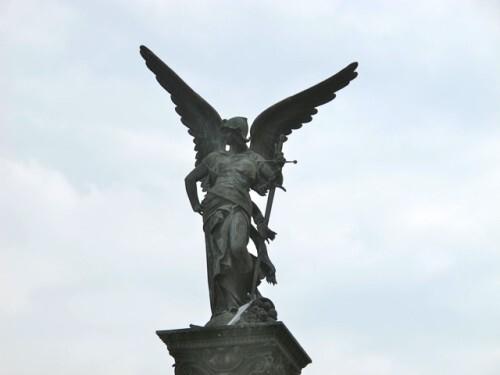 Ange victoire Montsouris Colonne de la Paix Armée Coutan