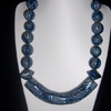 collier tube bleu 15euros