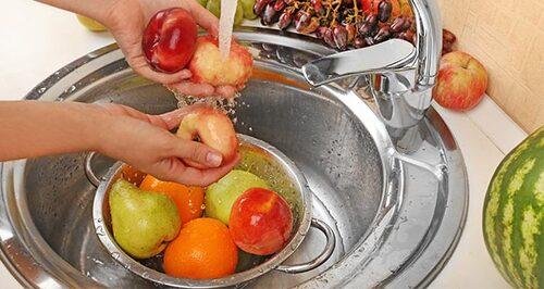 Enlever les pesticides des fruits et legumes