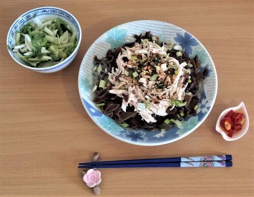 POULET KOU SHUI JI - Lanières de poulet en sauce tiède à l'huile Chili au poivre de Sichuan