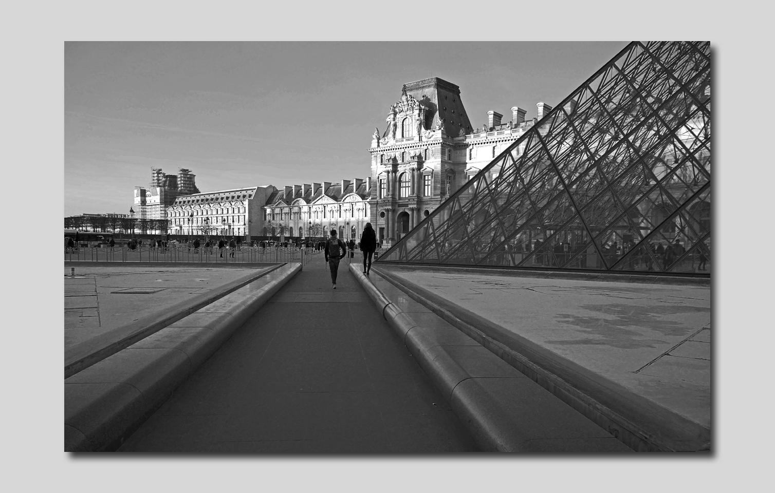 Paris Pyramide et compagnie