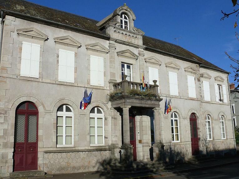 Saignes - Mairie -1.JPG