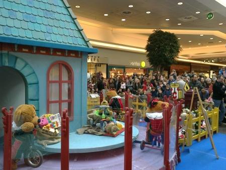 Bain de foule pour Saint-Nicolas au Shopping de Woluwe-Saint-Lambert