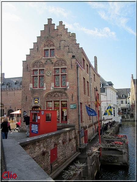 Bruges - Les canaux et quelques bâtiments anciens
