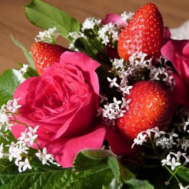 Roses au sucre, bouquet de fraises...