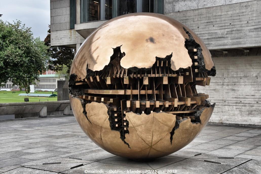 Dublin - Irlande (14) Sphère dans la sphère