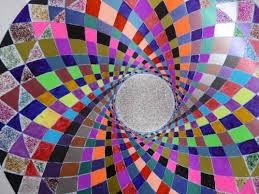 Blog de mimipalitaf : mimimickeydumont : mes mandalas au compas, ;une petite vidéo du net pour vous pour fêter les dix jours de soleil qui arrivent !