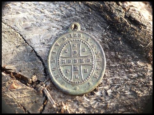 une belle médaille de Saint Benoit (19ème)