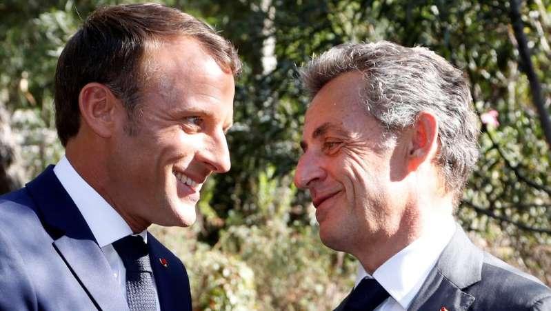 France: Macron et Sarkozy affichent leur complicité aux cérémonies en Provence