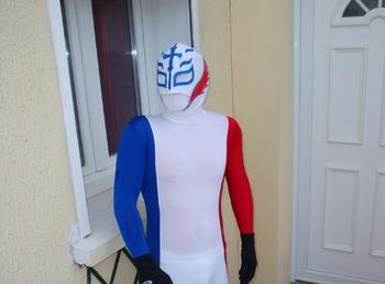 Capitaine France entre les scène