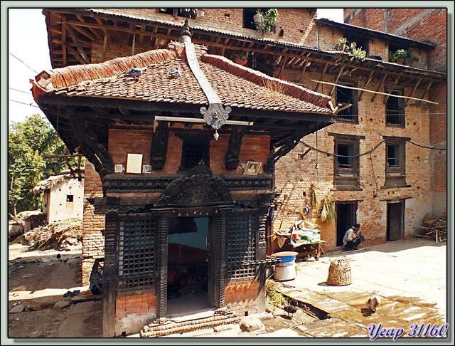 Blog de images-du-pays-des-ours : Images du Pays des Ours (et d'ailleurs ...), Toujours dans les rues moyenâgeuses de Bungamati - Népal