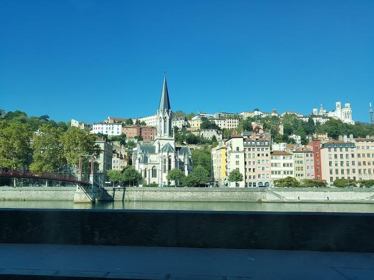 MARSEILLE-Mamiekéké et Cricri d'amour rentrent enchaantés de Lyon (2)