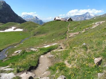 Refuge du Fond des Fours (2534 m)