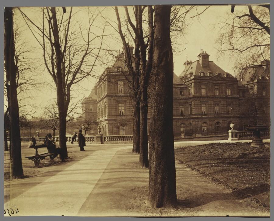 Atget Paris Jardin du Luxembourg 900x728 Le Paris de 1900 par Atget