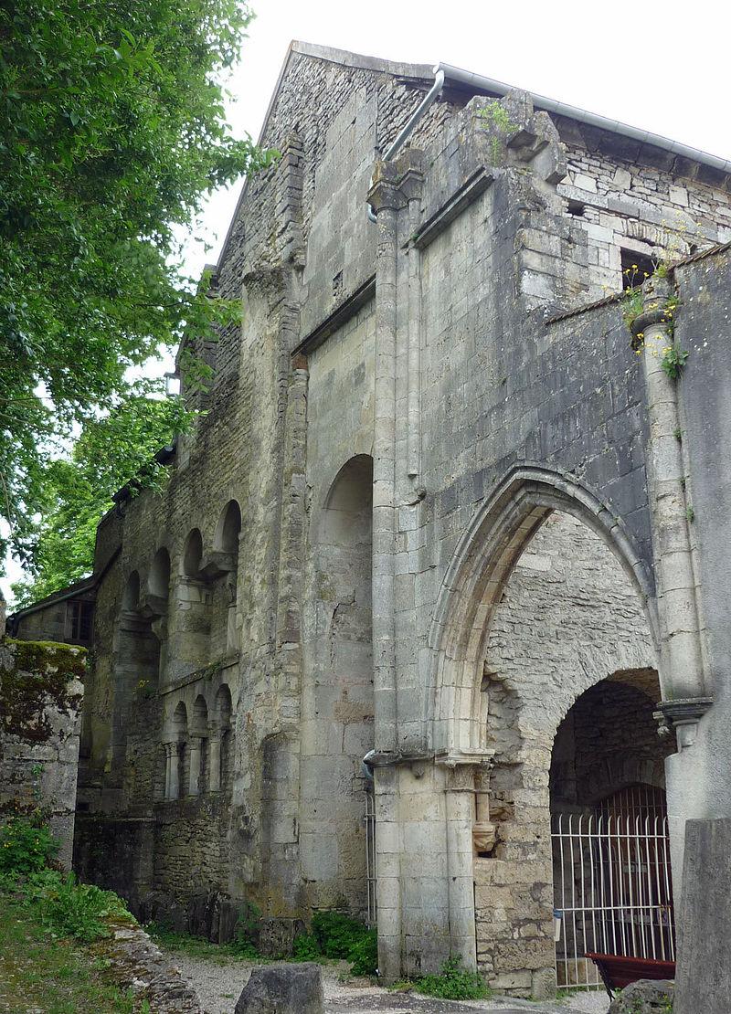 Abtei-St-Pierre-Flavigny.jpg