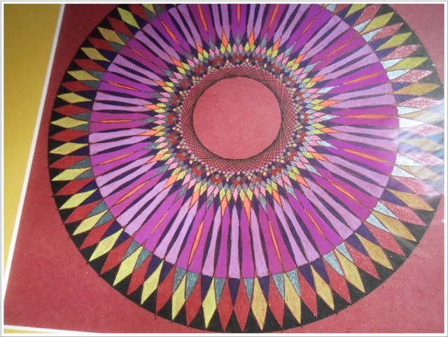 Blog de mimipalitaf : mimimickeydumont : mes mandalas au compas, une petite vidéo pour vous que je viens de faire.... bonne journée !