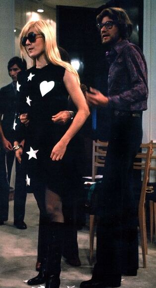 Sylvie et Yves Saint Laurent (Source sylvievartanshow):