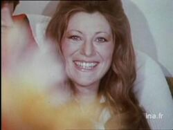 10 avril 1975 : Le bonheur qui s'enroule entre mes doigts