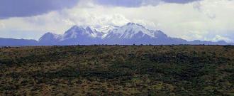 Phénomène inédit... deux volcans entrent en éruption en même temps