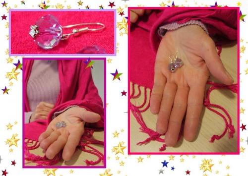 Le ras du cou en perle de verre mauve à facettes et ses boucles