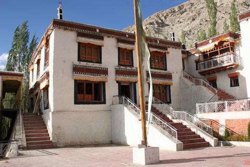 monastère de Samstanling
