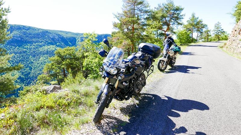 Les causses  : paradis pour motards !