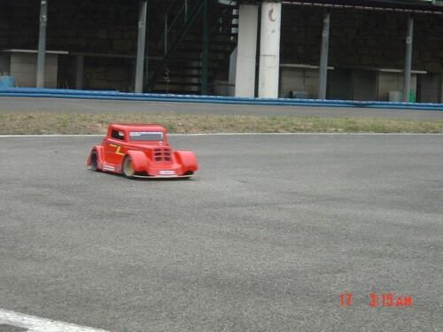 Les premiers essais du Hot Rod sur circuit.