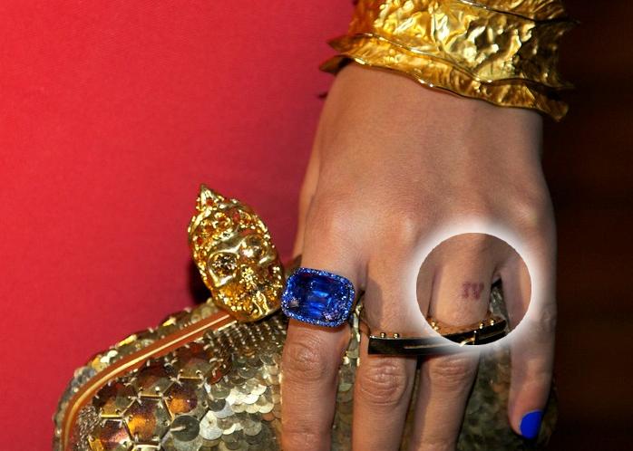 Beyonce Un Tatouage Du Nom De Sa Fille Sur Son Doigt Best Source