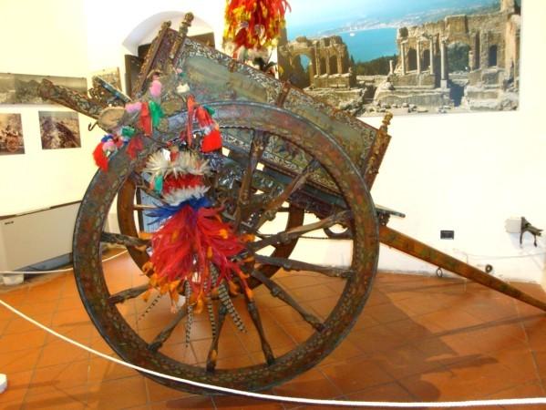 Carriole sicilienne décorée